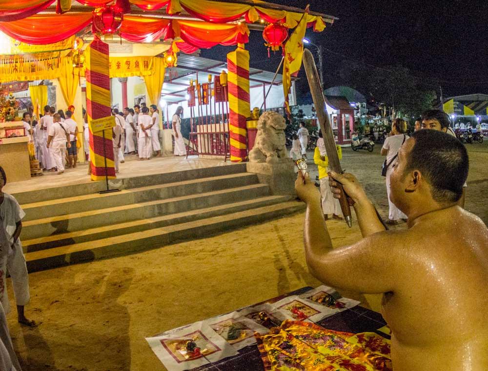 Whorship at Bun Tao Gong Temple